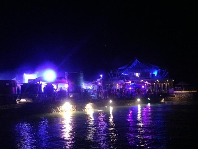 ビーチパーティー in マクタン